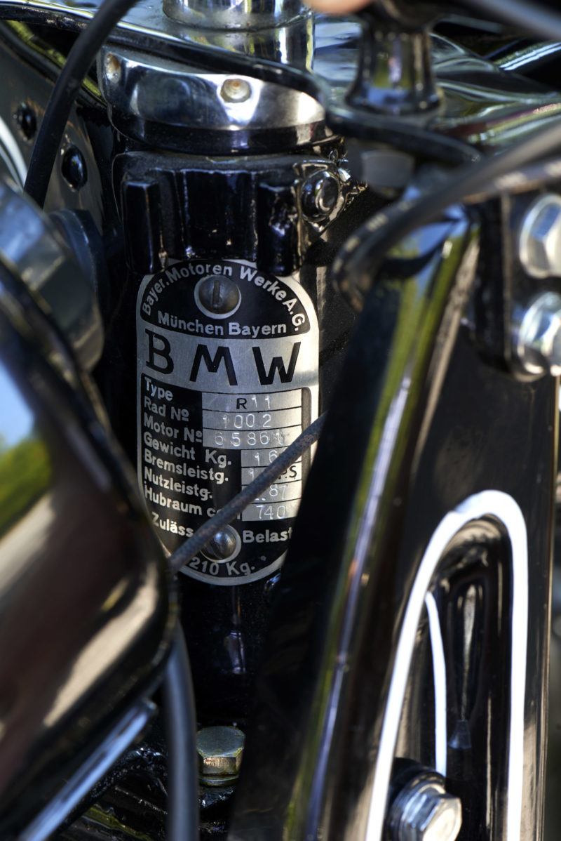 BMW R11, BMW R 11, plaquette